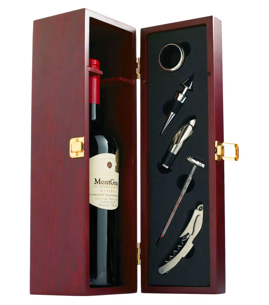 Wine Accessories in Mahogany Wood Wine Box