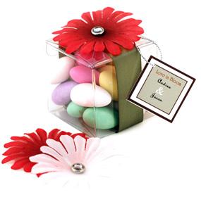 Love in Bloom Daisy Petal Candy Favor Box