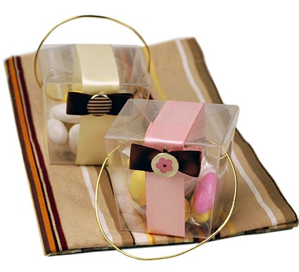 Chic Bow Takeout Box With Candy Favor